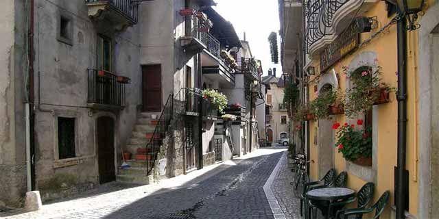 Abruzzo Tours