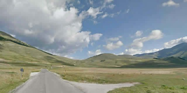 Scenic drives in Italy through Sibylline Mountains in Umbria