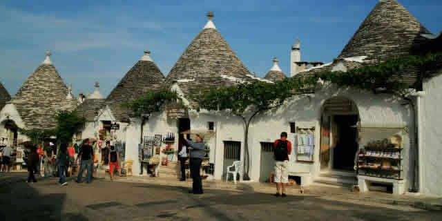 Wonders of Italy: the village of Alberobello and its Trulli