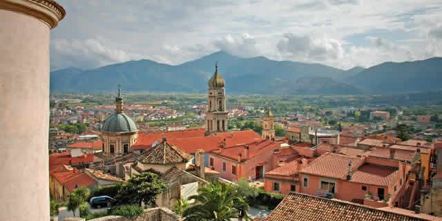 From Venafro to Agnone to discover the amazing Molise