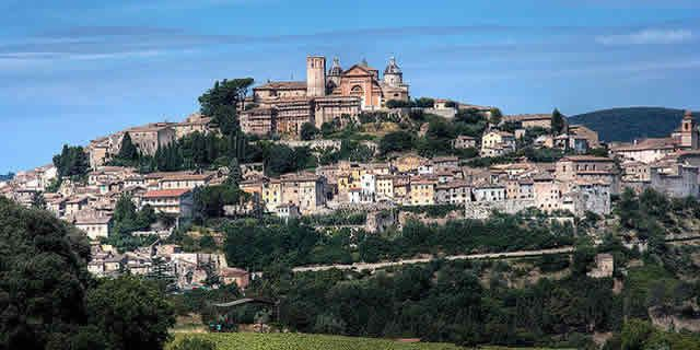 Among ancient fortresses and Medieval villages in Umbria