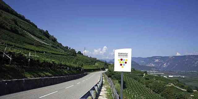 Wine, food and culture: the famous Wine road in South Tyrol