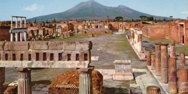 Pompeii, the unique city and its history, art and culture