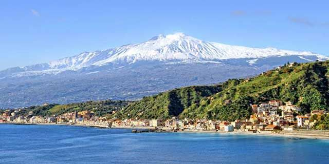 Mount Etna, the giant volcano and the beautiful Taormina