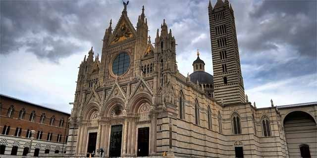 Siena, the beautiful Medieval Tuscan town and its treasures